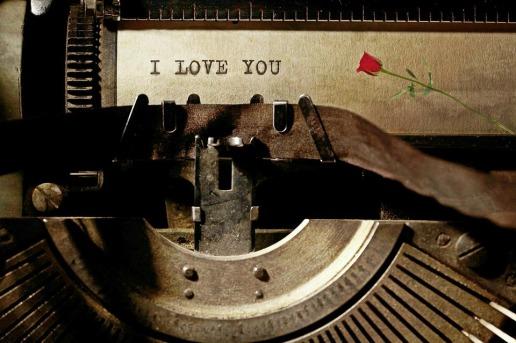 typewriter-1062697_960_720